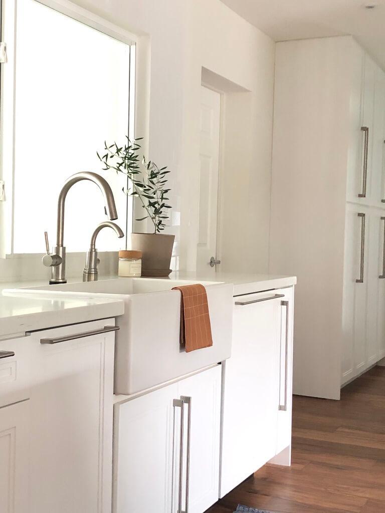 Modern White Kitchen Remodel in Florida